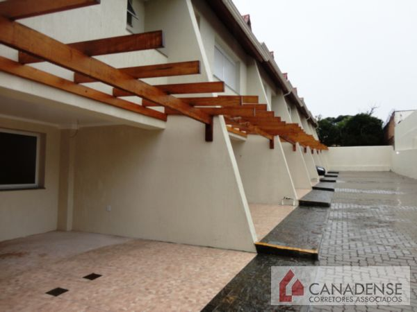 Canadense Corretores Associados - Casa 3 Dorm